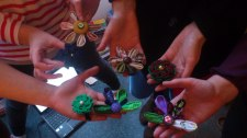 Flower brooch workshop